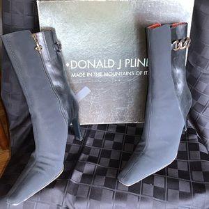 Donald Pliner Black bootie with heel